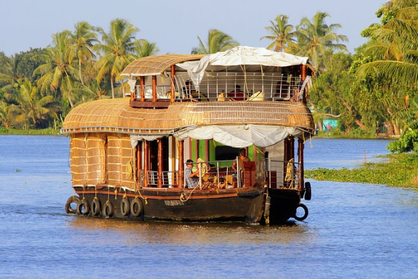 3 Bedroom Houseboat